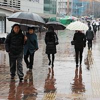 오늘의 날씨...내일까지 '태풍급 강풍', 코로나 선별진료소 사고 주의