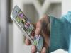 중학생 4명 중 1명은 '스마트폰 중독'...엄마 영향 커?