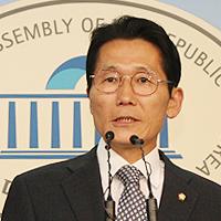 윤소하_정론관_대표.jpg